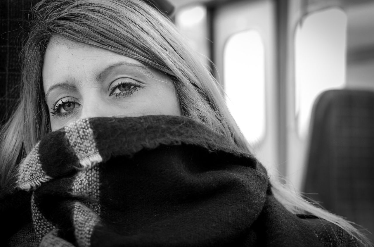 Trying to sleep on the train Headshot One Person Covering Real People Close-up Young Women Warm Clothing Portrait Young Adult One Woman Only Day Indoors  Adults Only Only Women Adult People Sleepy Train Scarf Black & White Blackandwhite Photography Black And White Blackandwhite Portrait Photography Portrait Of A Woman