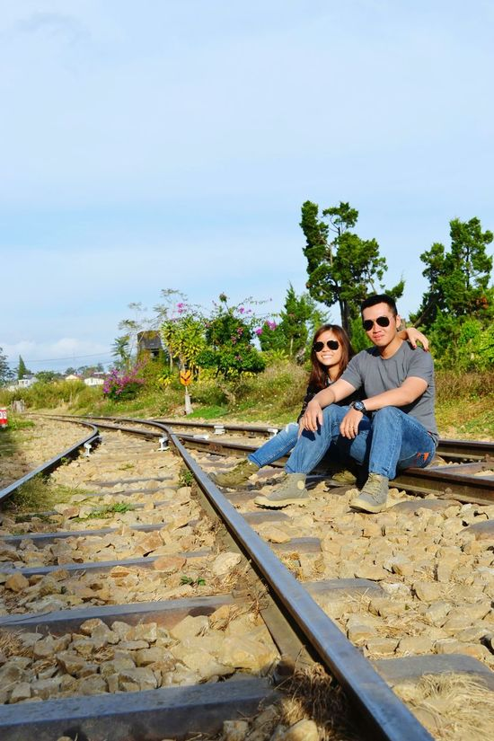 That's Me Traveling Couple