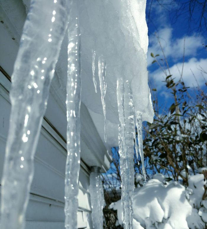Cold Temperature Icicles Snow Frozen Winter Outdoors Ice No People Close-up Sky Art Is Everywhere