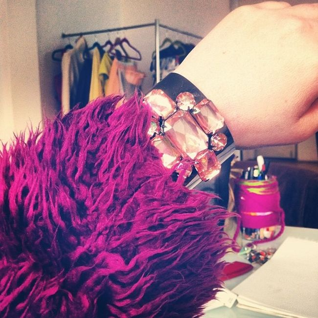Ola bandito! Details Jewelry POTD Ootd funky coat purple studio styling delicious funk igers igdaily instgram fashion