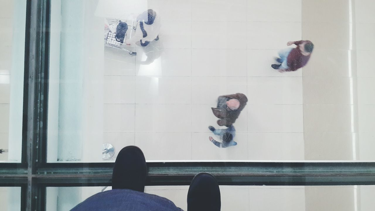People Indoors  Low Section Shoe Simplicity Glass Transparent Glass - Material Textures And Surfaces Floor Transparent Roof Roof Shoes Men Two People EyeEm Gallery Interior Design Check This Out Copy Space Architecture Smart Simplicity Day Full Frame Reflective Clear