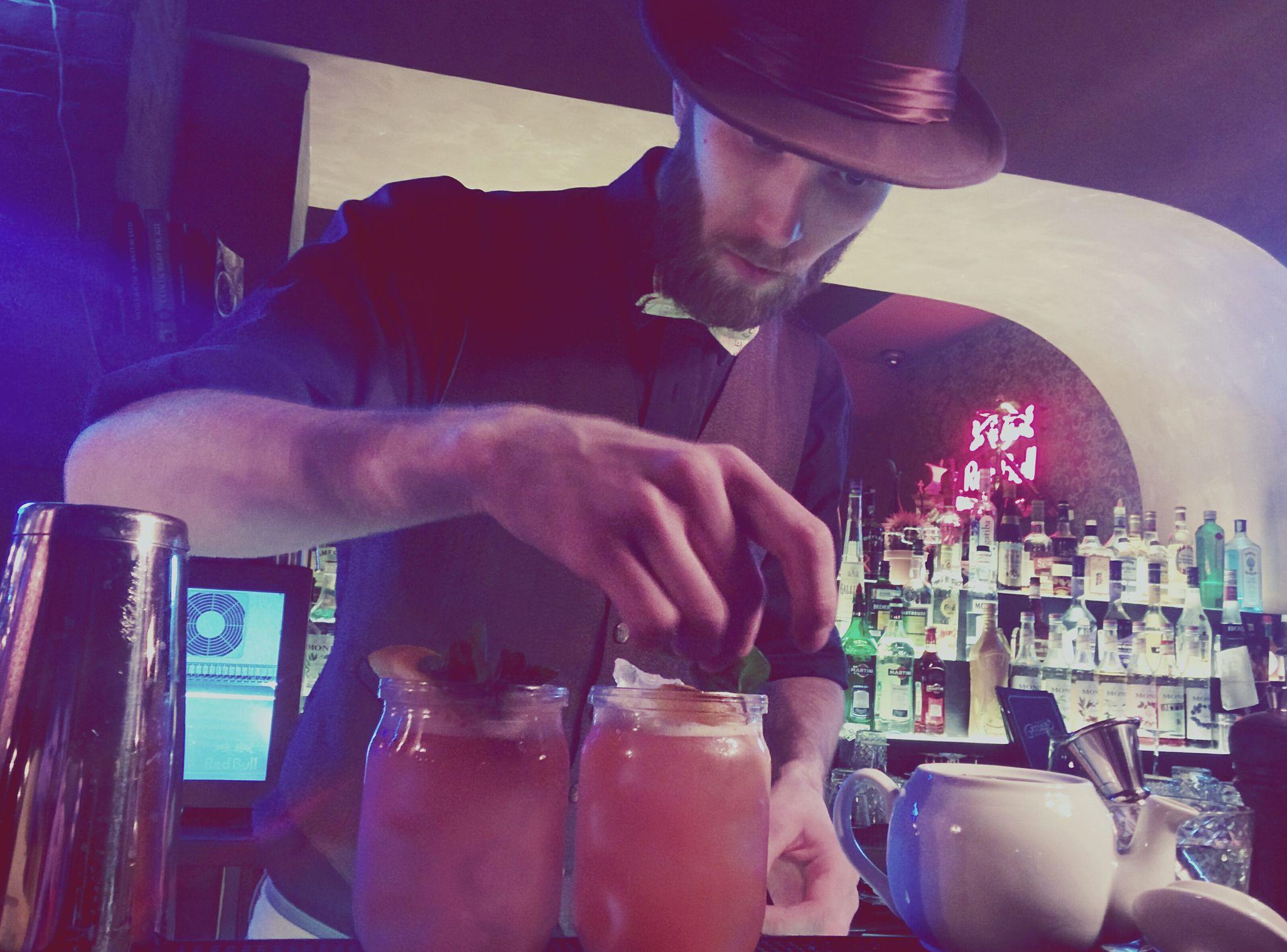 Bartender Cocktails Zombie Cocktail Bar Drinking