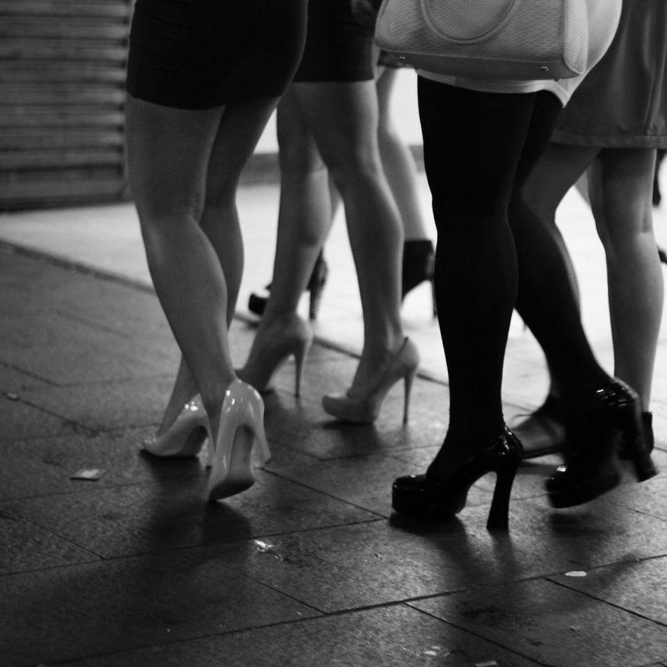 pendant la nuit Black And White Documentary Street Photography