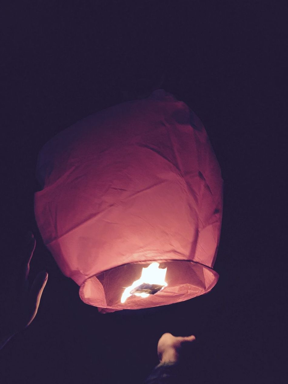 Flame Burning Traditional Festival Dark Paper Lantern Outdoors Black Background Night Khomloy Khom Loy New Year Wishes Wish Hope Hopes And Dreams Celebration Celebration Event Celebrating Sky Lantern Sky Lanterns Skylantern Sky Lanterns In The Sky Wishing Greetings Greeting