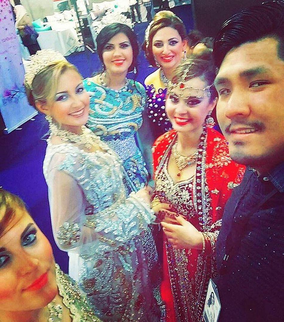 J'aime le style oriental Jetly Selfie Salondumariage Oriental Mulhouse Maghrebunited Arabian Style Algérie Maroc Tunisie Kabyle India Negafa Mannequin Wedding Weddingdress Expo Lystudio Malikanegafa