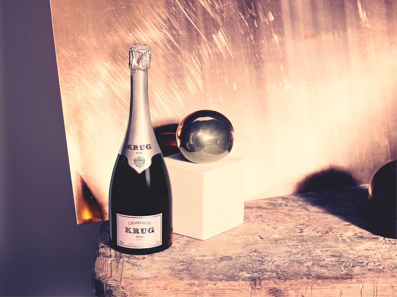 Have you ever tasted this champagne KRUG Rosé? If yes, then you can imagine how delighted I'm, having received such a lovely gift. thank you Krug Champagne # Champagne Lover Switzerland Vevkeh Champagne Glasses Pink Rosé