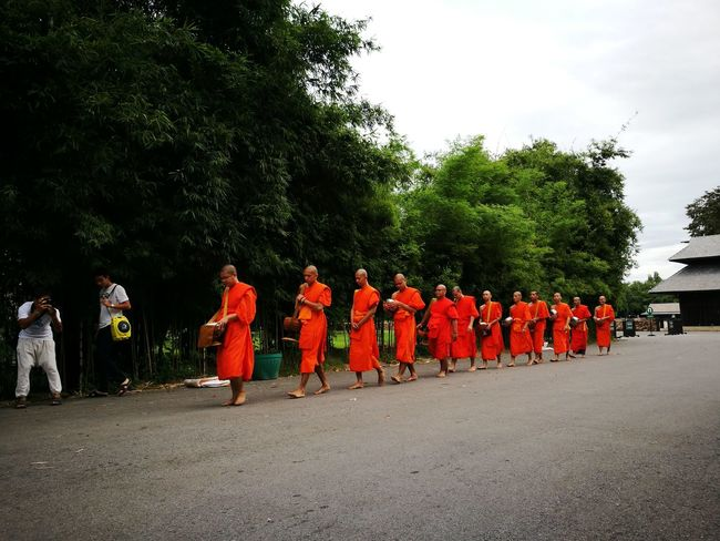 Thailand Buddhism Culture And Tradition Buddhist Monks Cultures Buddhist Temple