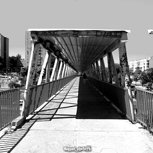 Puente en blanco y negro/ Bridge in Black y White Puente Blackandwhite Bridge Blancoynegro Taking Photos Hanging Out Depth Profundidad EyeEm Best Shots EyeEmBestPics