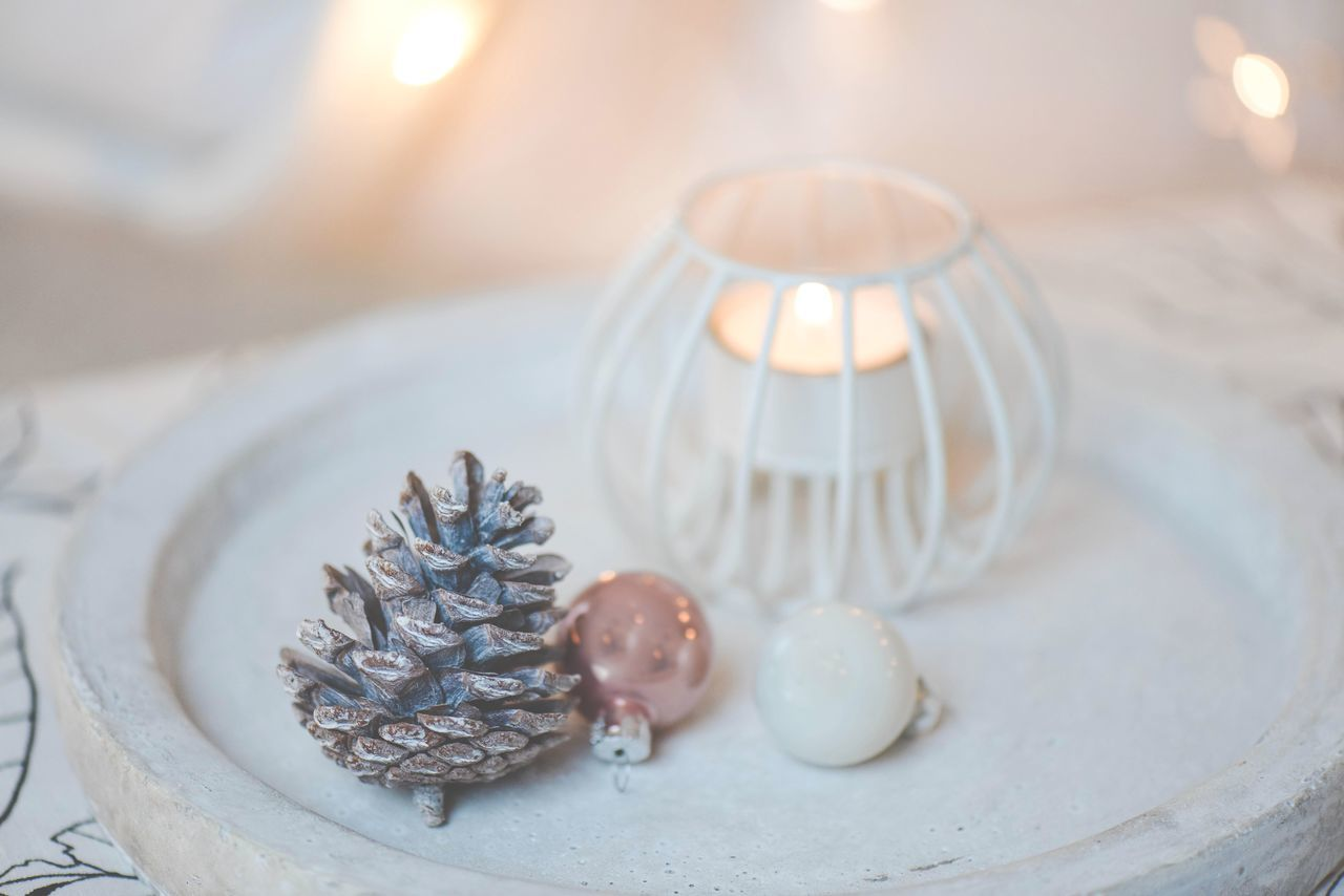 By Candlelight Festive Season Details Home Cosy Decoration Concretelove Light Christmas Lights Minimalism
