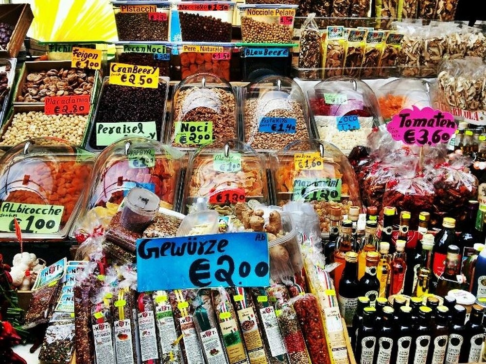 Market At Bolzano | Bozen Shopping Colorful