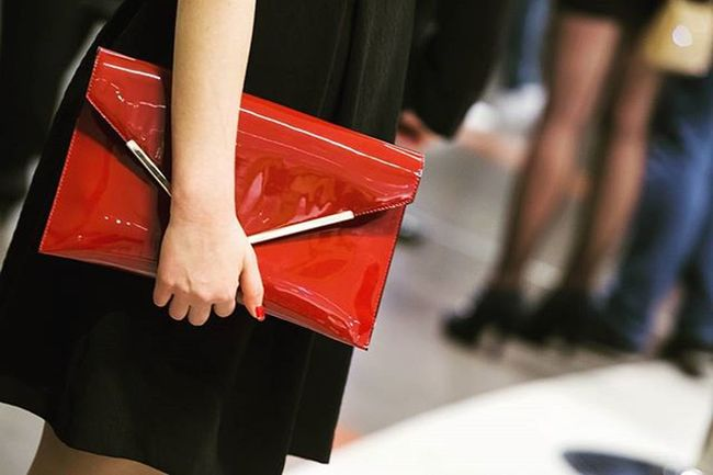 EEprojects Luxury Bag Party Celebrity Highsociety Glamour Expensive Brand Fashion Fashionable Money Luxurybag Luxurybrand Trendy Shopping Fashionaddict Canon_photos Cartier GUCCI Dolcegabbana Hermes Snapzone Lacquer Red magazine legs stockings women wholesale