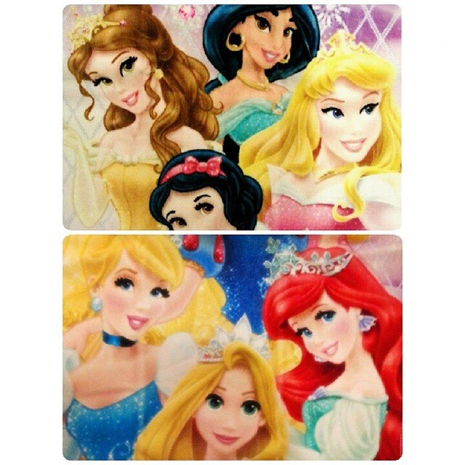2週間前に買ったタオル♡ プリンセス の小物大好きでよく買う(*´ω`*)かわいいものだいすき(*^^*) Kiddyland Towel princess disney オーロラ姫 シンデレララプンツェルベルジャスミン白雪姫アリエルキディランド