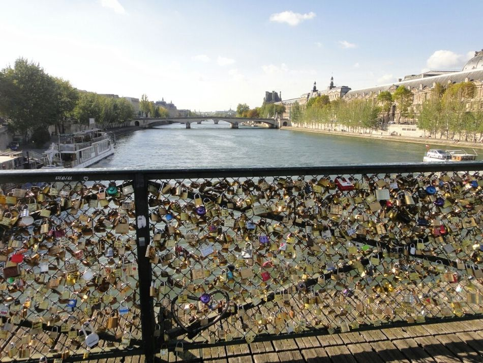 Love Bridge Bridges Couple Locks Lovers Pont Des Arts