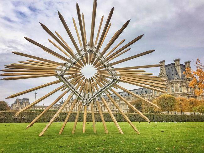 Les injonctions paradoxales, 2016 Bonsoir Paris! Architecture Built Structure Louvre EyeEm Best Shots Photooftheday Autumn Leaves Paris ❤ Eyem Best Shot - Architecture Parisweloveyou Sculpture