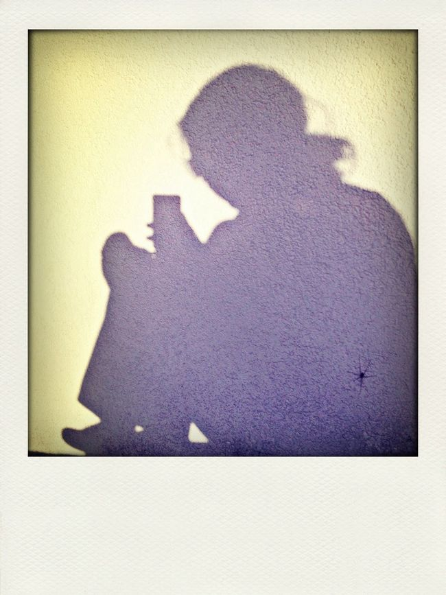 Ligth And Shadow Selfie Waiting