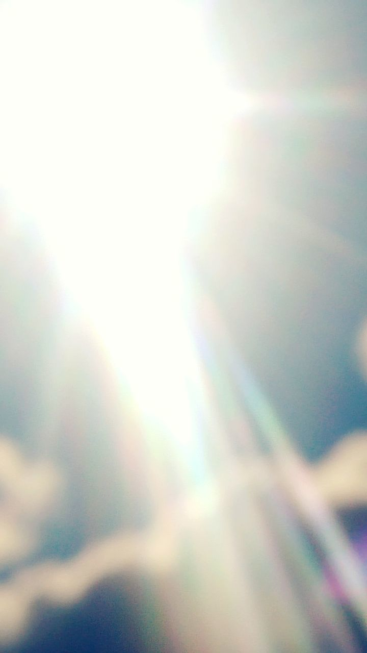 low angle view, lens flare, sunlight, nature, sun, abstract, sky, no people, outdoors, day, defocused, multi colored, beauty in nature, close-up, clear sky