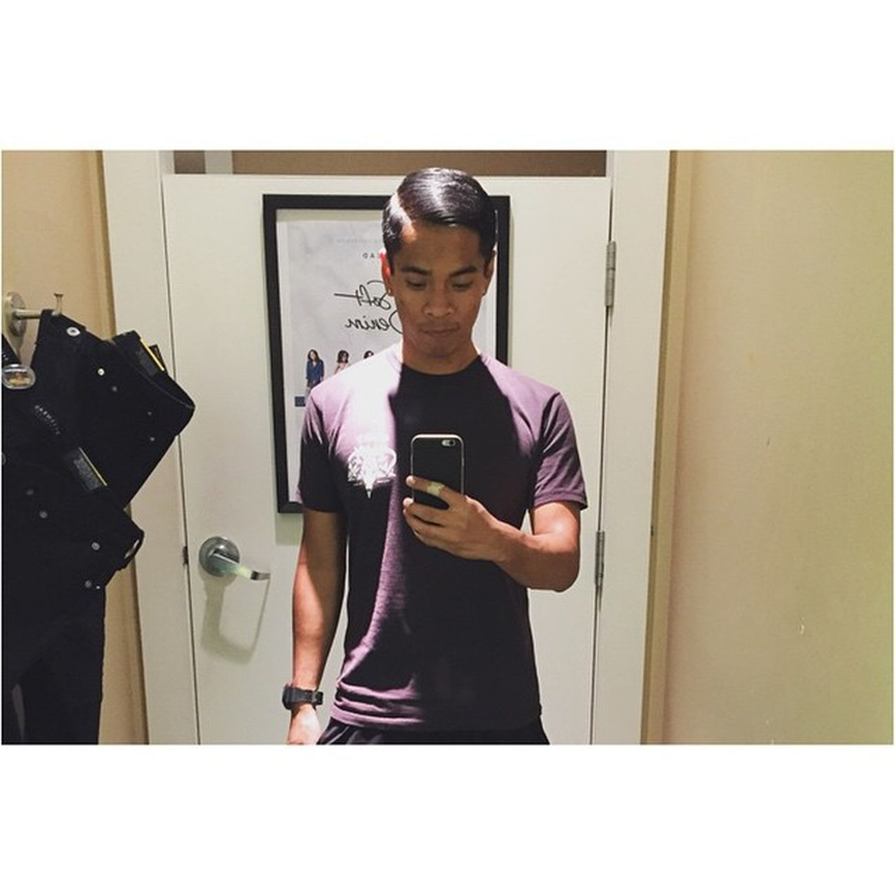 First mirror selfie with this iPhone 😁😁 Random Selfie Whatidoduringschoolbreak Shopping vsco