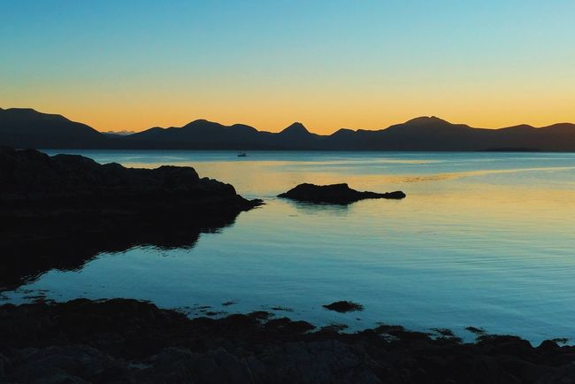 Going home Tranquil Scene Sunset Beauty In Nature Tranquility Mountain Range Clear Sky Travel Destinations Molde Visitnorway Scenics Beautiful Nature EyeEm Nature Lover Atmospheric Mood Classic Norway Landscape_Collection Sunrise_sunsets_aroundworld Norway Live Folk SlowDown