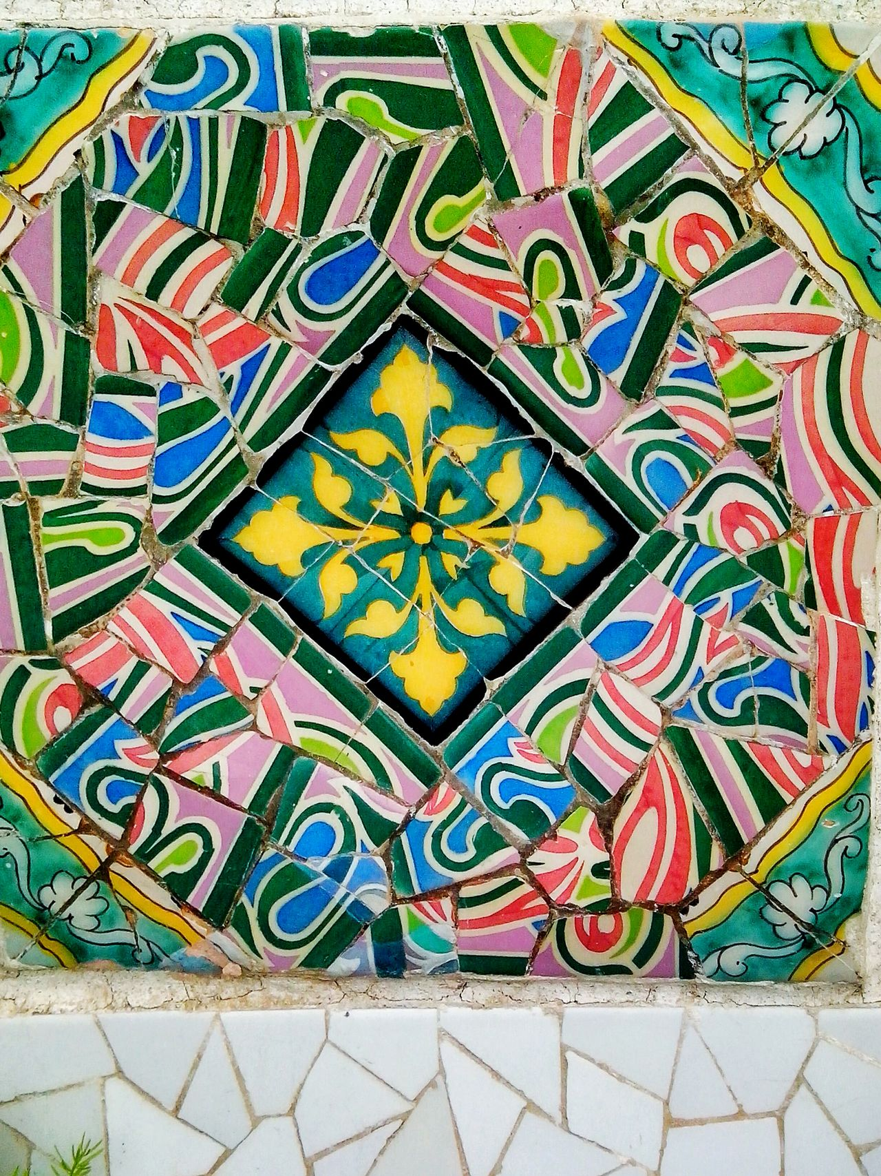 Art And Craft Multi Colored Pattern Creativity ArtWork Antoni Gaudí Textured  Ceramic Art Ceramics Barcelona, Spain Barcelona Park Guell Decoration Gaudi Outdoors Bright Colors Backgrounds Background Pattern, Texture, Shape And Form Famous Place Modern Art
