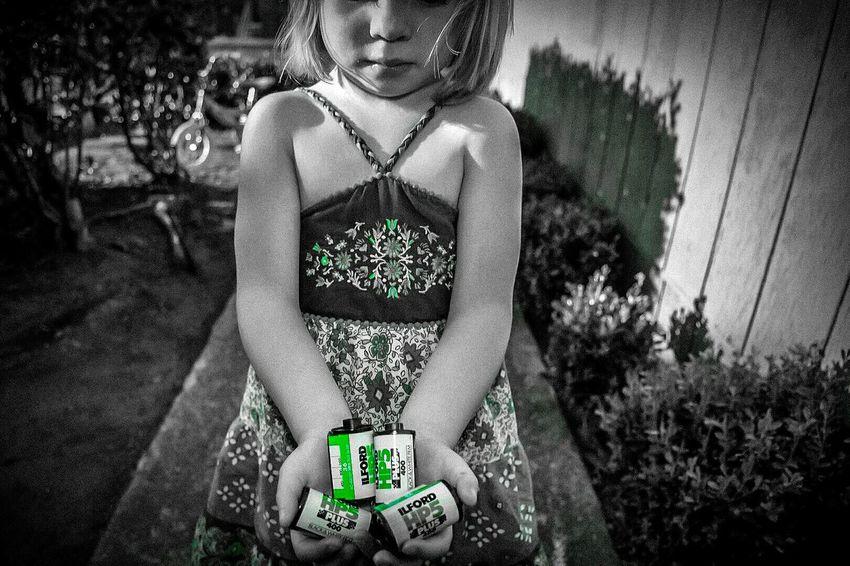 Hanful of memories. Beautiful Ilford HP5 Plus Photography Is Life Camera Love Photo Art BW Portraits Colorsplash EyeEm Best Shots