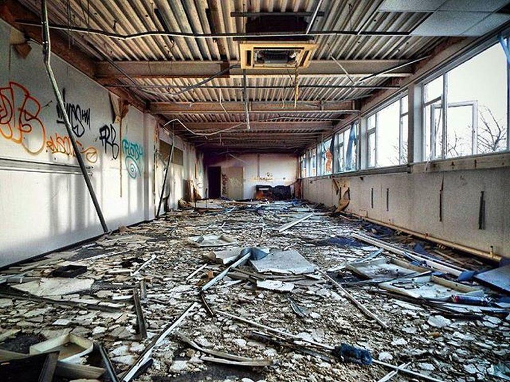 Abandonedart Abandoned Abandonedplaces Abandonedporn HDR Abandonment_issues Abandonment Graffporn Graffiti Graff Graffitiphotographer Urbandecay Urbex Urbex_rebels Office Derelict Derelictplaces Urbanexploration Longshot