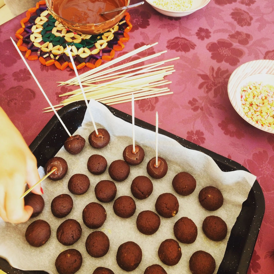 Making chocolate cakepops top view Above Bakery Cakepop Cakepops Candy Chocolate Cuisine Dessert Food Food And Drink High Angle View Indoors  Kitchen Making Pastry Popcake Stick Sweet Food Table Top View Woman