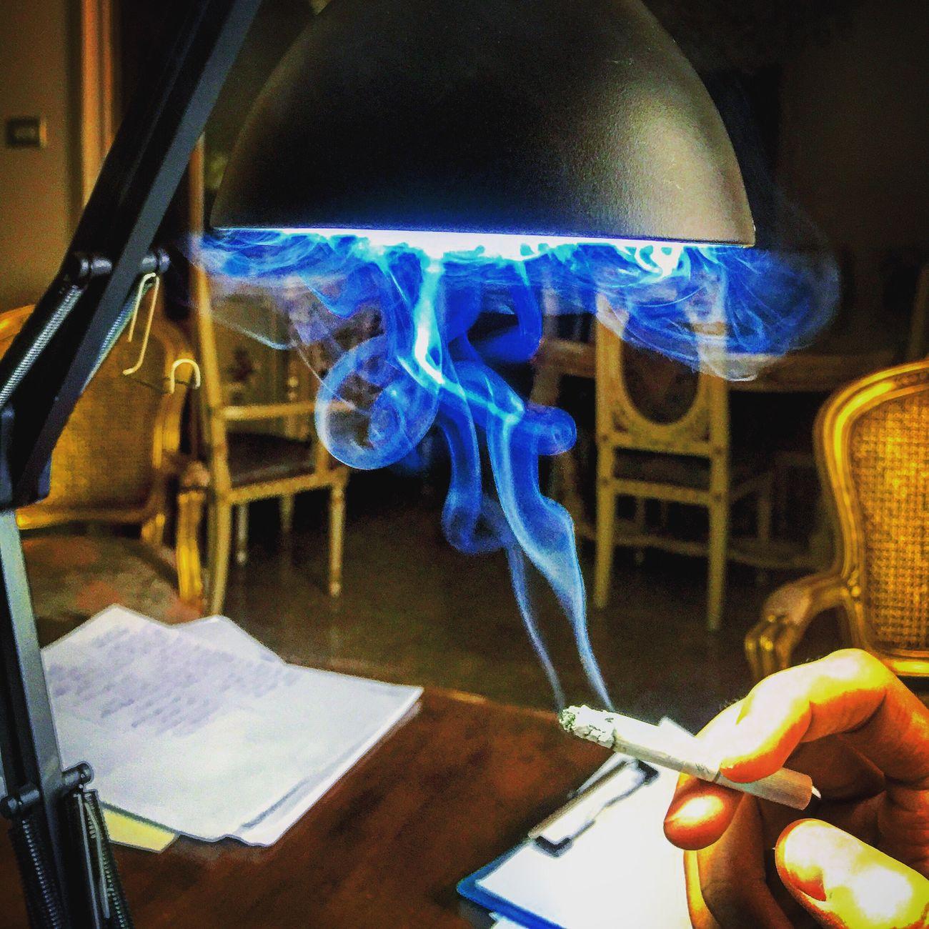 Winestone Sigara Studying Tb :) Indoors  Burning Close-up Real People Illuminated One Person Human Hand