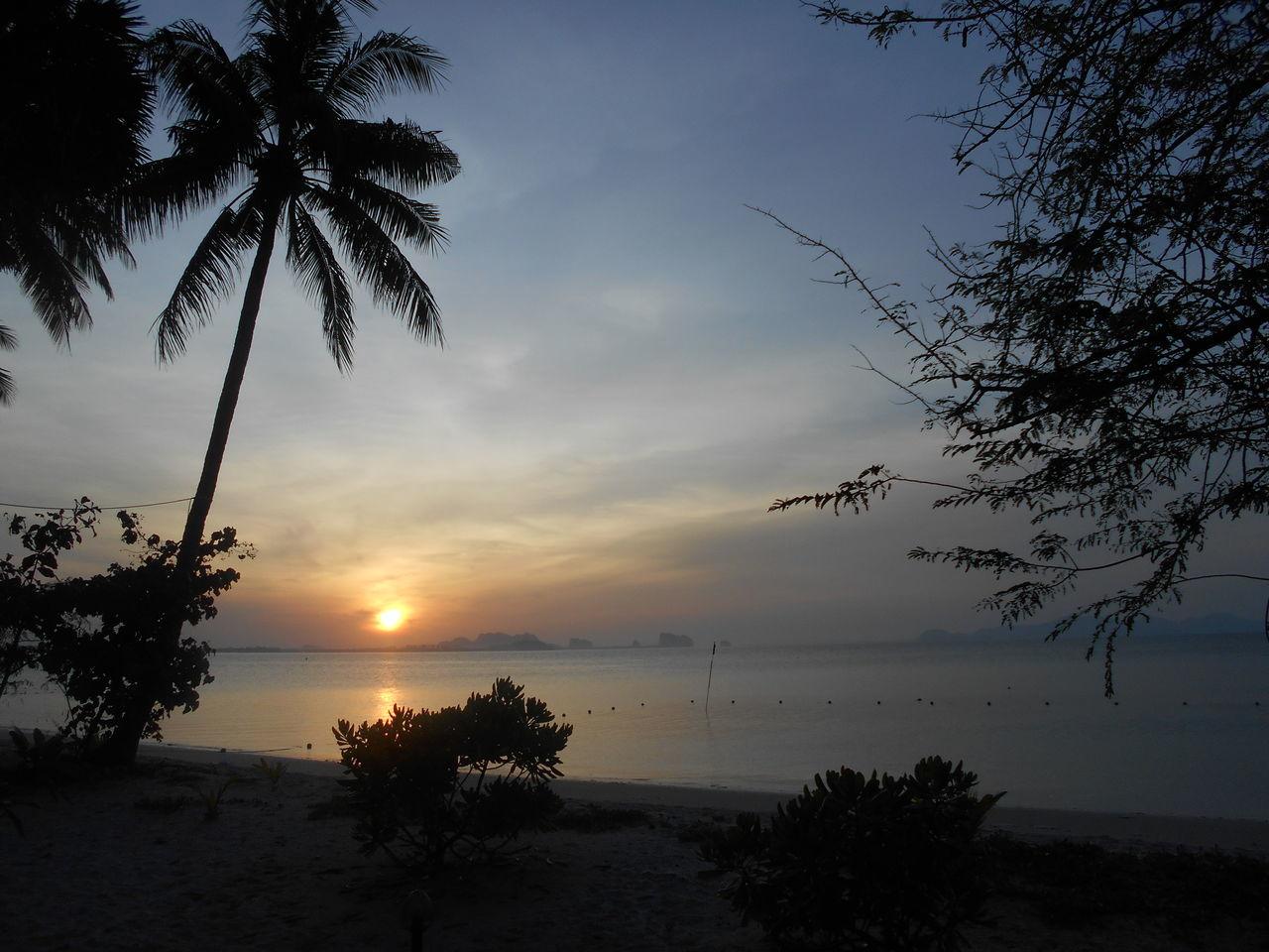 Thailand Koh Mook Island Sundown Sunset Sunset_collection Sea And Sky Seascape Ozean Beach Beach Photography Beachlife Beach View
