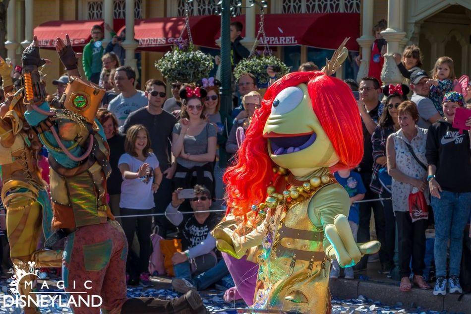 Arts Culture And Entertainment Disneyland Resort Paris Disney 25thanniversary Disneyland Paris Disneylandparis Amusement Park Travel Destinations Disneyland Women Celebration