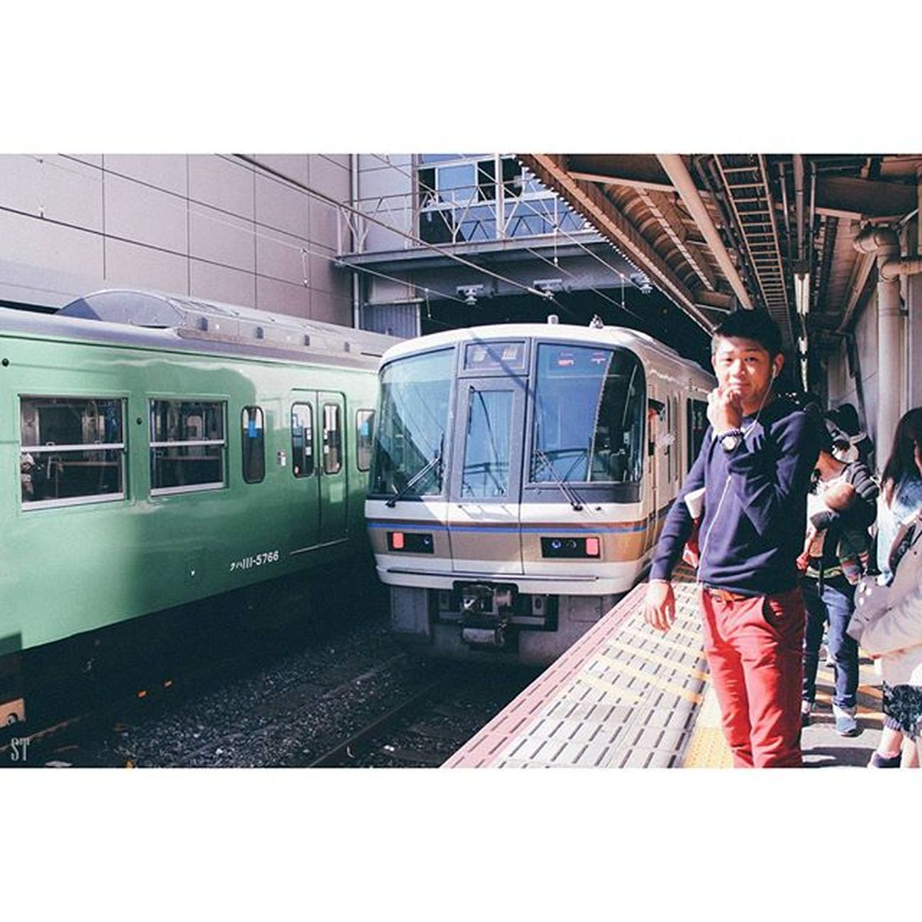Trainstation Kyoto Kyotostation Trains locomotive people waitingfortrain trainphotography