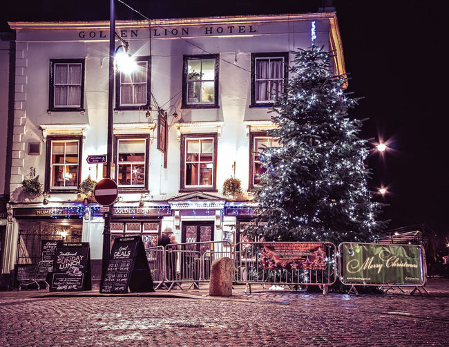 The Golden Lion Romford... gracing the market since 1410. (may have been rebuilt a little over the years). Architecture Canon Canon Eos 650D Canonphotography Christmas Cobblestone Eye4enchanting Eye4photography  Eye4thestreets Golden Golden Lion Havering Historic History Lightroom Cc Lion Long Exposure Nightphotography On1 Pub Romford Romford Market Showcase: December Streetphotography Urbanphotography