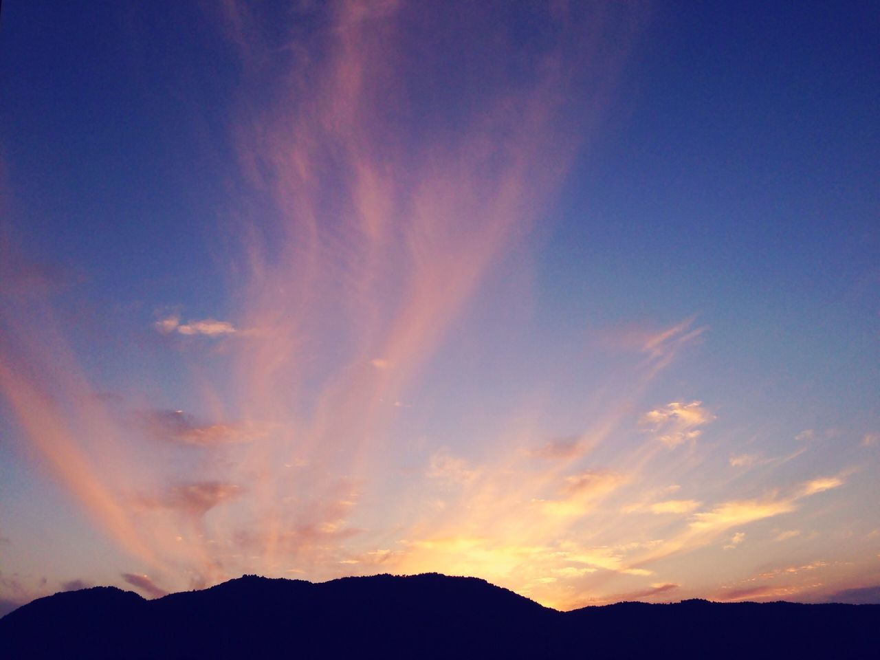 scenics, beauty in nature, silhouette, nature, sky, tranquil scene, tranquility, sunset, no people, outdoors, mountain, cloud - sky, day