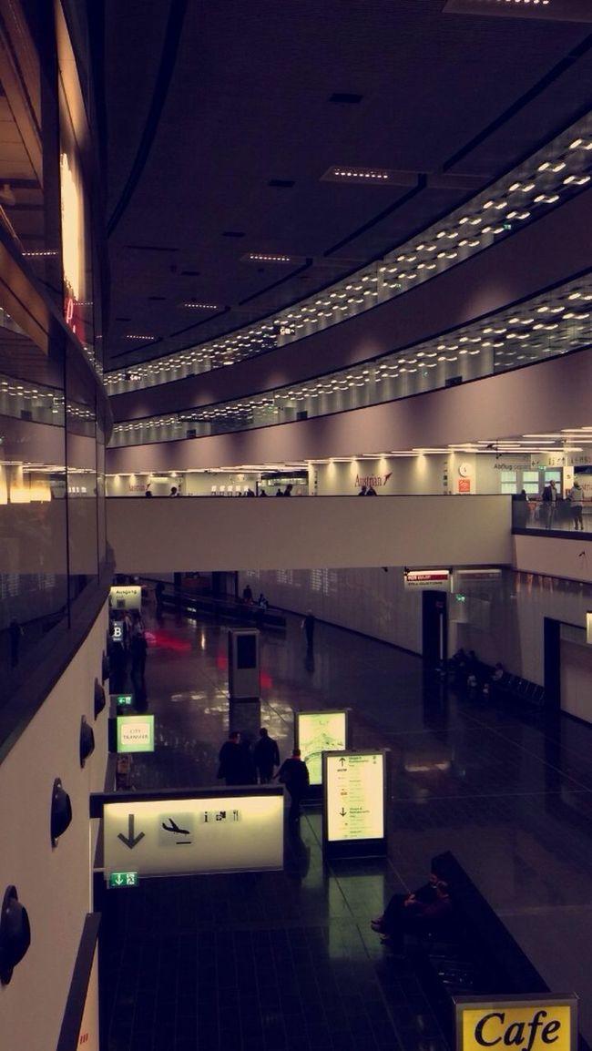 Airport Thriftingaway Zeitloser Ort