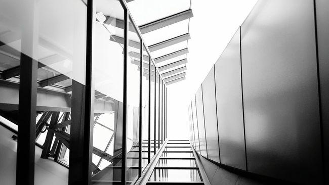 Lines Artofvisuals ExploreLA Conquer_la Architectural Detail Blackandwhite Streetphotography The Architect - 2016 EyeEm Awards