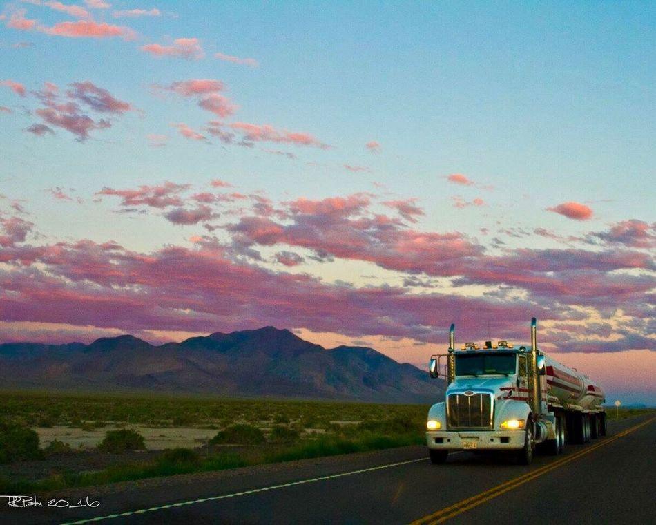 Transportation Semi-truck Cloud - Sky Trucking RRPatx ItsALifeStyle JournalismPhotography Openroad Sunrise Atxphotography Merica🇺🇸