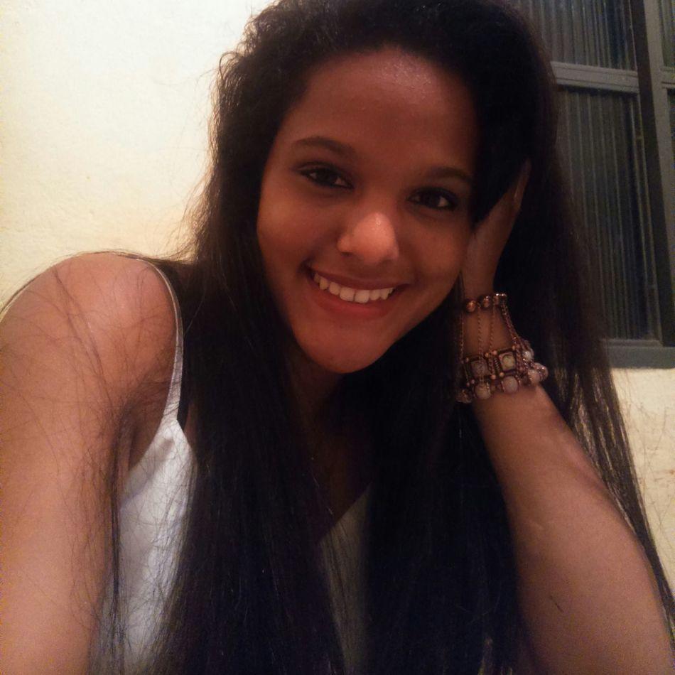 Girl Morena Relaxing Smile ✌ *.....* Beutiful  Batom♡ Love Perfect Photography