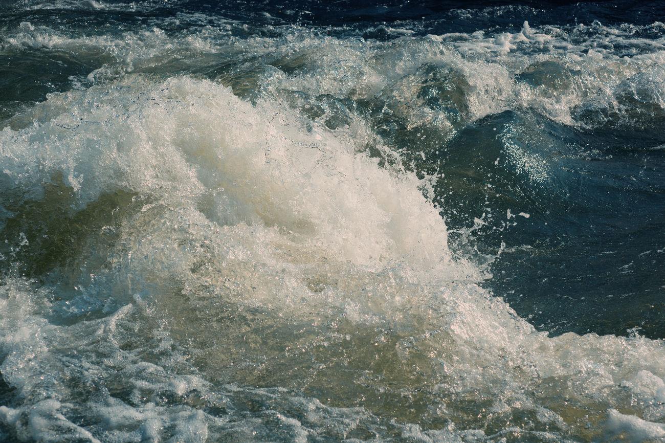 heavy waves Beauty In Nature Dangerous Heavy Waves Ocean Ocean, Waves, Nature Raw Beauty Splashing Water Stormy Weather Water Wild