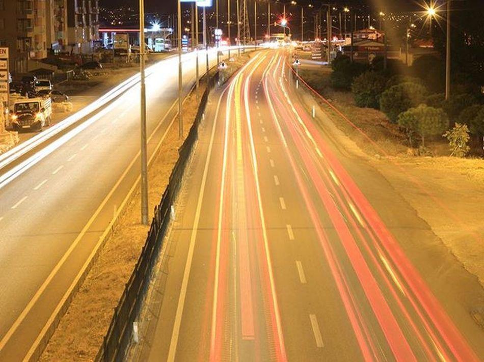 Photooftheday Photographer Photo Vscocam VSCO Vscoturkey Kadrajturkiye Kadrajımdan Objektifimden Gununkaresi City Citylights Traffic