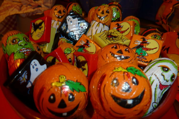 Halloween Candy 31october 31stoctober Can Celebration Halloween Halloween HalloweenCandy  Halloweensweets October31 October31st Pumpkin Treatsfortrickortreat Trickortreat Trickortreatcandy TrickOrTreating