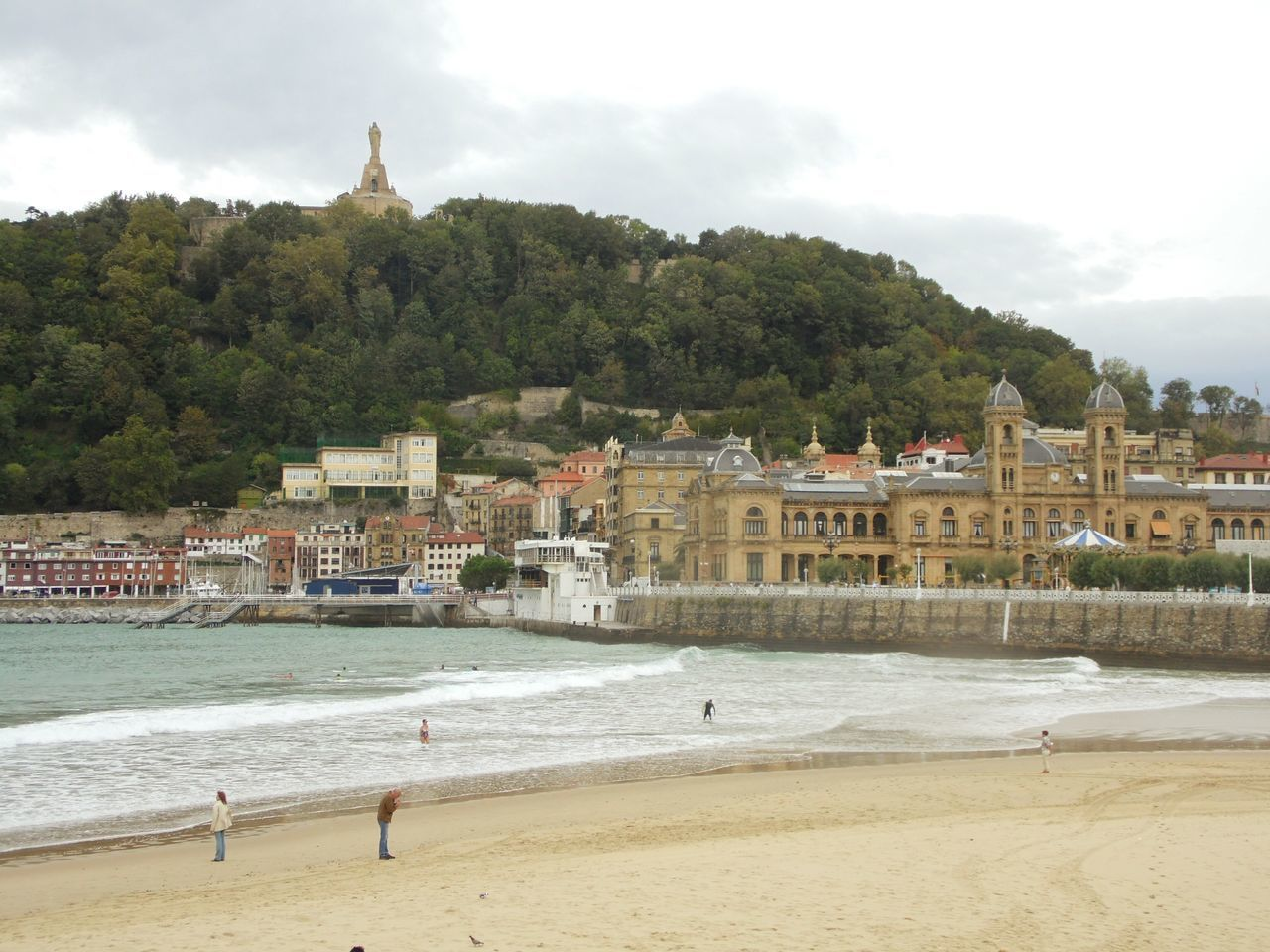 San Sebastian Beach Check This Out Waves Breaking