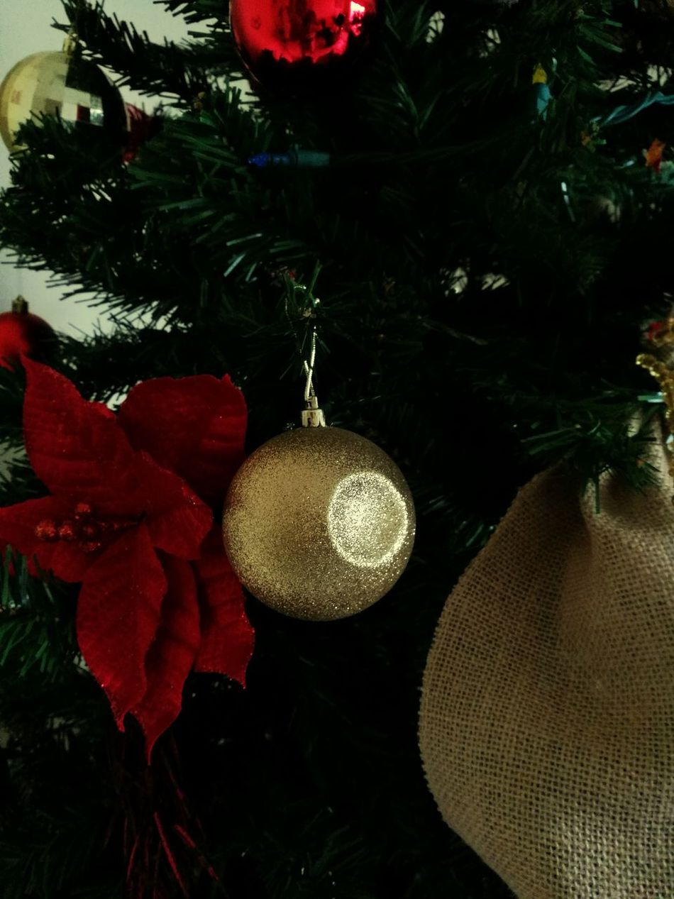 Death star in christmas tree? Christmas Decoration Christmas Tradition Star Wars Death Star