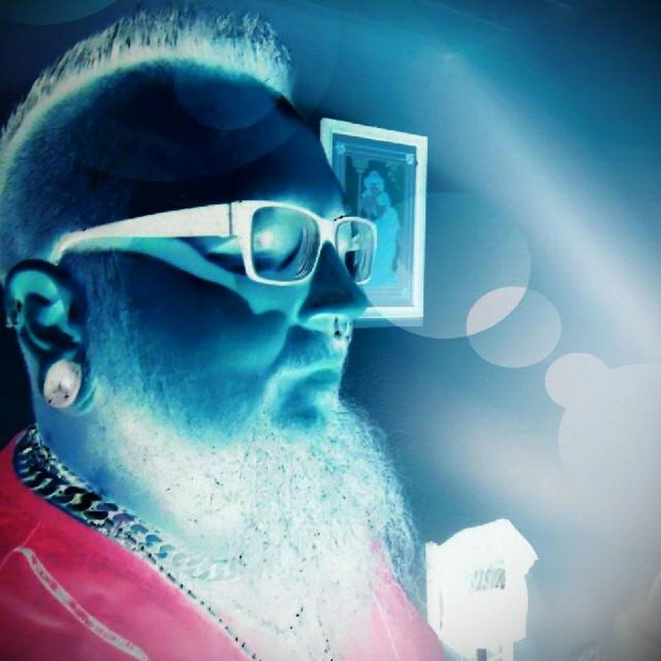 Selfie Tuesday Invert Lomo Blackberry Blackberryq10 Stone Plug Tunnel Septum Helix Piercing White Beard Bearded Nerd Glasses Iro Chains Noshavelife Ilovemybeard Manwithbeard Instapic Photostudio Pro for blackberry10