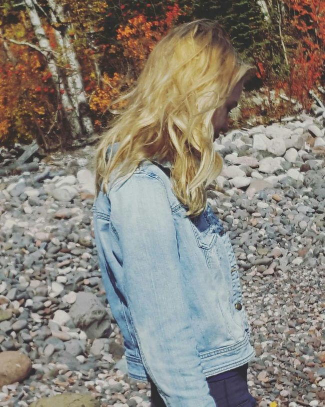 Straight Hair Outdoors Messy Fall Beauty Cabin Life Lake Superior Photoshoot Friends ❤ Nature Photography Minnesota Nature Enjoying Life Minnesota Lake Candidshot Nature Beauty In Nature Tranquility Blondes Have More Fun