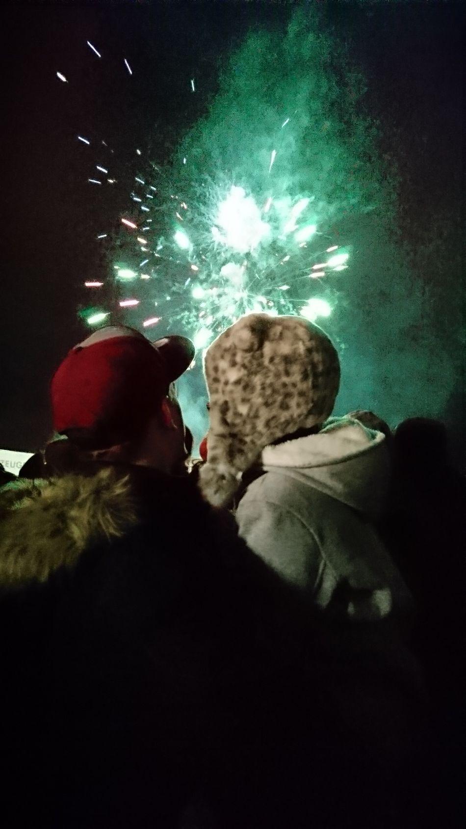 Firework Sylvester Rocket Night Starlight Daughter Singleparent