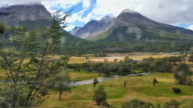 The KIOMI Montains    Montagne Enjoying The View Landscapes With WhiteWall Relaxing Moments From My Point Of View Enjoying Nature Enjoying Life Ushuaïa Tierradelfuego Argentina Photography The KIOMI Collection Nature_collection Nature Photography Nature The Great Outdoors - 2016 EyeEm Awards