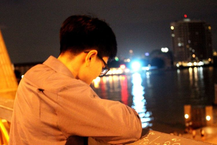 Someone waiting Night One Person Lifestyles Side View Focus On Foreground Outdoors City EyeEmNewHere