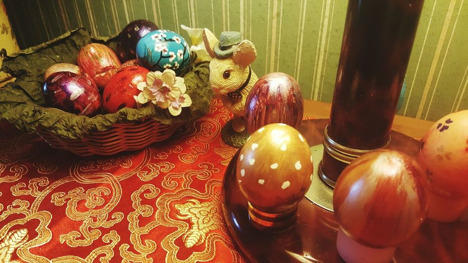 Celebration Decoration Tradition Christmas Decoration Indoors  Table Holiday - Event Flower Flower Photography Card Design Plain & Simple Ester Egg Cultures Advertising Photography Collections Eggs... Egg Design Easter 2017newphotos Close-up Home Interior Happy Advertisement Ready-to-eat Indoors