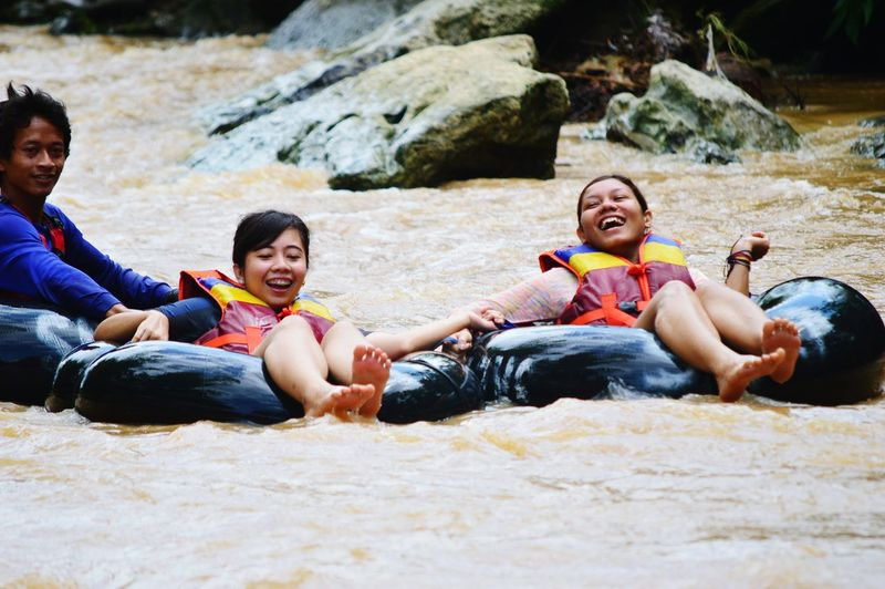 Everyday Joy explore indonesia with friend,enjoy holiday as traveller
