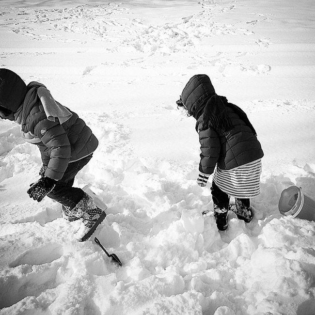 SNOW!!! Childhood Unforgettableinstagram Shootyourlife Mommytweet snow