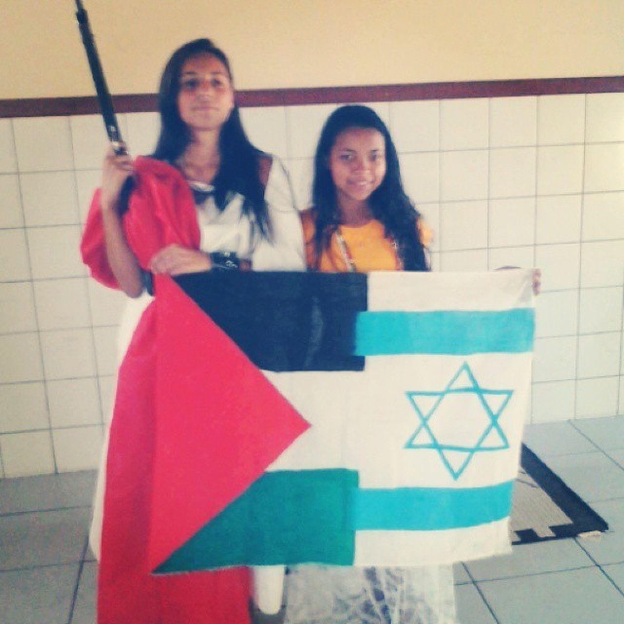 Sim, aquilo é uma arma ^-^ IsraelXPalestina Paulinha Diva Sociologia Mundo_Novo_Possível